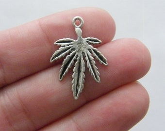 10 Leaf charms antique silver tone L75