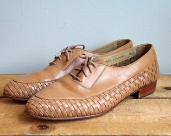 Vintage Tan Woven Men's Oxfords- Size 9 1/2 mens or 11 womens