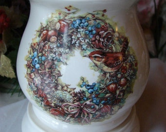 A Wren in the Wreath Electric Tart Burner/Warmer