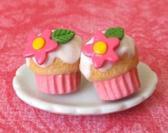 Flower cupcake post earrings