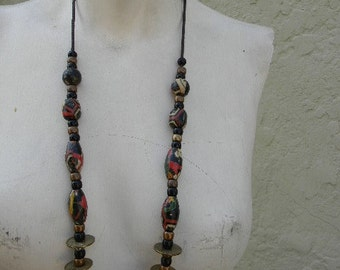 vintage. 70s Handpainted Colorful Beaded Necklace  //