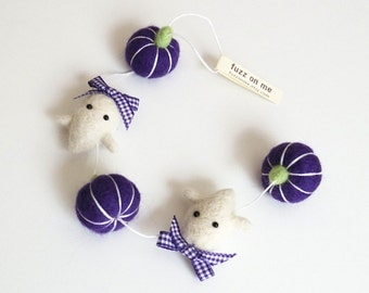 Cute ghost miniature Halloween garland, needle felted purple pumpkins, white ghost with purple plaid ribbons, fall decor
