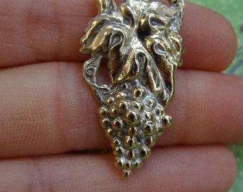 4 Antique Silver and Gold Filigree Woodland Fairy Buttons. Metal. Grape Vine Buttons. Unique 21E