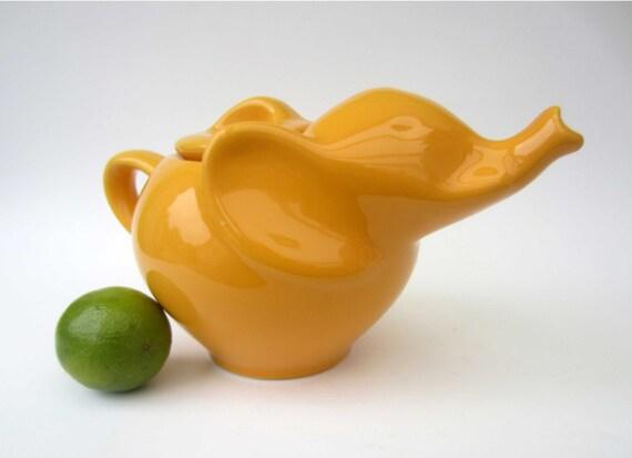 Elephant shaped teapotfrench vintagepale orange - Elephant shaped teapot ...