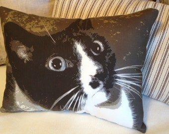 Cat Face Graphic Decorator Pillow 16 x 20