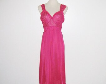 Vintage 1950s Nightgown / 50s Fuchsia Pink Nightgown / 50s Nylon And Lace Nightgown By Penney's Adonna - Size 36