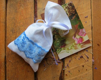 White Linen Favor Bag Set of 50, Burlap Wedding Sachet, Small Gift Bag, Handmade with Blue Lace and Band, Linen Bag, Rustic Decor