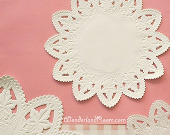 30 Star Lace Paper Doilies (6in)