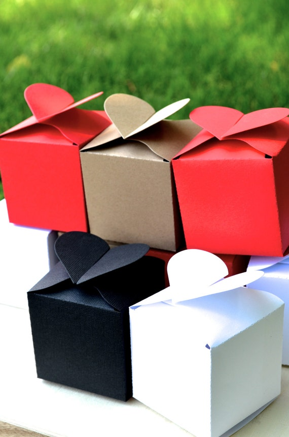 Heart Topped Favor Boxes in white, red, kraft, black or vintage map