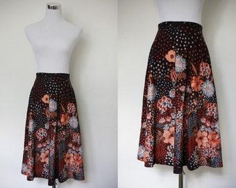 CLEARANCE S A L E // vintage 1970s autumn floral skirt / seventies cotton full skirt / fallen leaves skirt