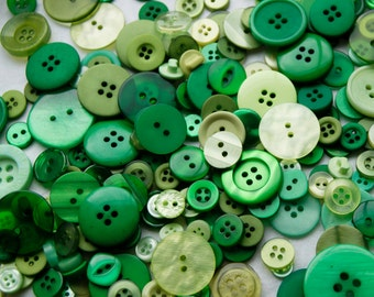 25 Green Mix Buttons, RAIN FOREST, Assorted Buttons, Sewing, Crafting, Jewelry, Collect (1613)