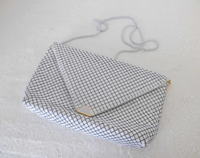 vintage la regale white metal mesh handbag white clutch. Black Bedroom Furniture Sets. Home Design Ideas