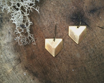 Geometric Brass Chevron Earrings / Minimalist Metal Jewelry / Summer Trends