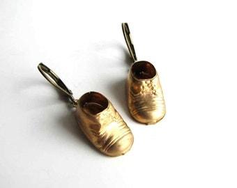 brass baby shoe earrings / leverback earrings