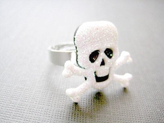 Skull Ring ,Halloween Jewelry, Skeleton Jewelry,Creepy Jewelry, Halloween Rings, Scary Rings, Halloween Ring, Trick or Treat