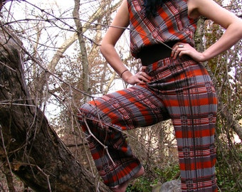 Vintage 1970s Jack Winter Polyester PLAID Orange and Brown BELLBOTTOM Two Piece Active Wear Suit WOMENS