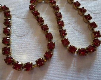 Rhinestone Chain Red Siam Preciosa Czech Crystal 3mm  / 24PP / 12SS in Brass Setting - Qty 36 inch strand