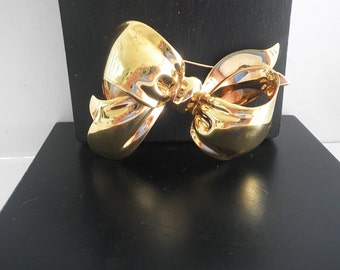 Vintage Monet Ribbon Bow Pin Brooch Gold Fashion Jewelry 1980's