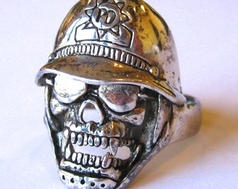 Vintage Ring G&S Gordon and Smith Silver Death Skull Biker Ring size 12
