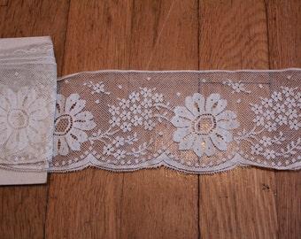 Dainty Antique Netting Flower Lace Trim Yardage Doll Bear Clothing