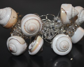 Handcrafted Sea Shells Bracelet with Glass Beads