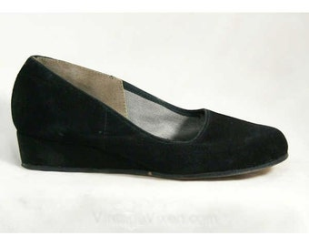 Size 5 Black Shoes - Charming 40s Suede Casual Platforms - Size 5M 1940s Shoes - Round Toe - Classic Bobby Soxer 40's Deadstock - 40321-2