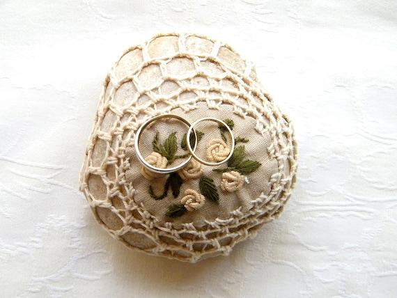 Wedding  Ring Holder, Ring Bearer Pillow Alternative, Natural Wedding Favors Inspirational wedding Decor, Shabby chic Crochet Stone