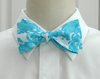 Lilly Bow Tie in blue She's a Fox (self-tie)