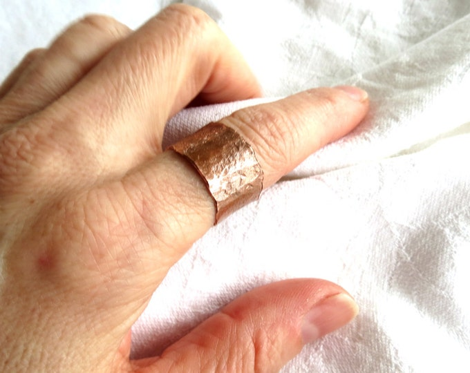 Wide Ring, Earthy Jewelry, 14 mm Ring, Rustic, Copper Ring, Wide Copper Band, Eco Friendly Ring, Tree Bark Texture Ring, Handmade Jewelry