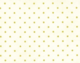 Moda Essential Dots - White Moss from Moda Fabrics