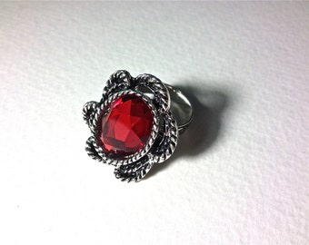 Red ring // Red faceted jewel ring // Valentines day ring // Red gemstone ring