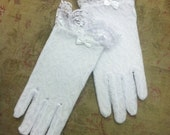 Victorian Lace Gloves (white)