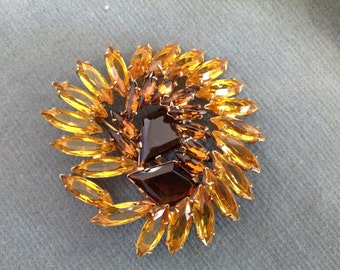 Amber Brooch on Gold Base