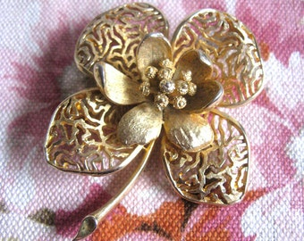 Vintage CORO 1960s Brooch Gold Tone Flower Filigree Signed Pin