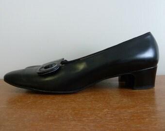 60s Mod Shoes - Black Leather - Toe Detail - Low Heels - Vintage 1960s - 11 aaaaa