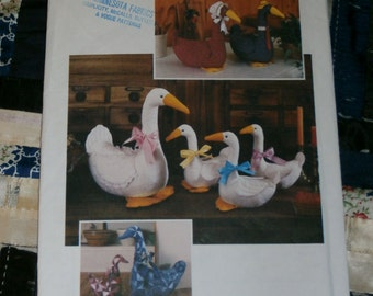 Cute 1984 Simplicity Craft Pattern 6721, Cute Stuffed Large and Small Goose Uncut, Factory Folds