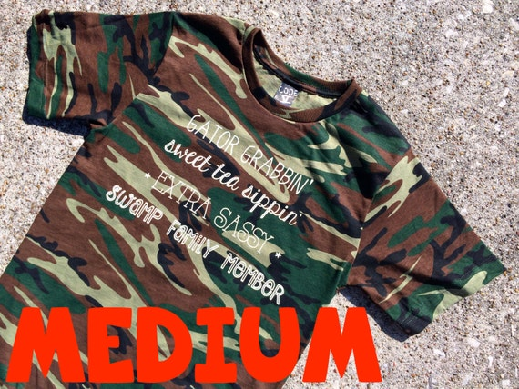MEDIUM sassy words CAMO t-shirt