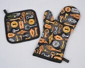 Steampunk Oven Mitt and Pot Holder Keys and Locks Silver and Gold Sets/Singles