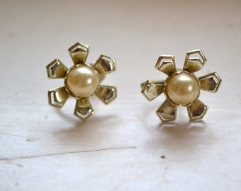 1960s Flower and Pearl Screw Back Earrings