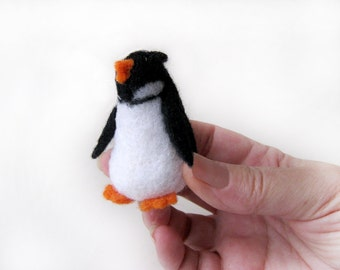 Penguin baby - needlefelted sculptures (for Julie)