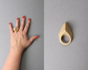 Vintage 1970s Minimalist Ring. Salmon Peach Geometric Pyramid Ring