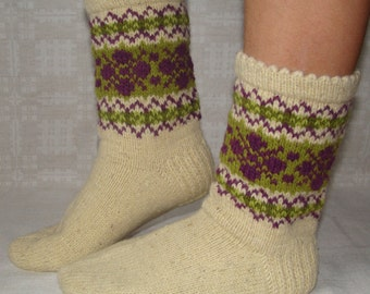 Natural wool socks, handmade. Size: EU 37,5 - 38 , US 5,5 - 6