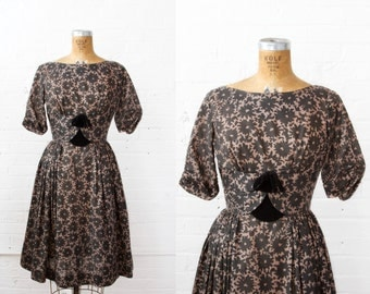 SALE / 1950s Dress - 50s Dress - Brown And Black Floral Print Dress