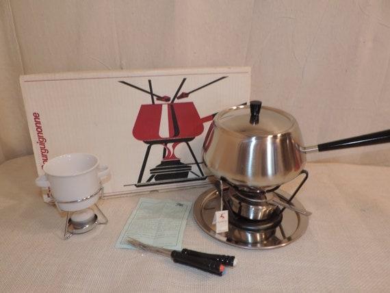 fondue set made in switzerland spring brand by bluejeanjulie. Black Bedroom Furniture Sets. Home Design Ideas