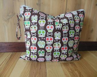 Skulls Wet Bag//Bonehead Wet bag//Bikini holder bag//Skulls on grey wet bag-Four sizes