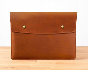 "13"" MacBook Pro with Retina Display - Leather Sleeve Case in Brown"