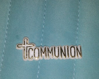 25 communion pladtic charms  for favors /capias