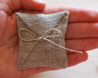 Linen favor / gift  / candy envelope style bags. Wedding favors. Burlap bags Size : 2.5 inch x  2.25  inch Set of 100