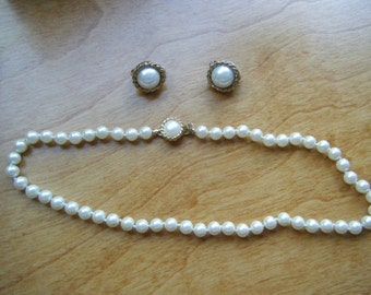 Vintage Pearl Choker, Pearl Clip Earrings, Hand Knotted Pearls, Creamy White Pearls, Vintage Pearl Demi, Free Shipping