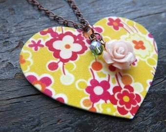 Summer Heart Necklace with Floral Pattern Yellow White and Pink Gift Spring Trend Etsy Finds Bright Large Pendant For Her